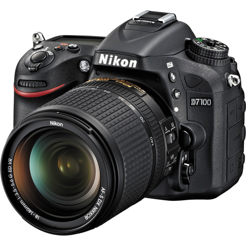 Nikon D7100 DSLR Camera Deluxe Kit with DX 18-140mm Lens