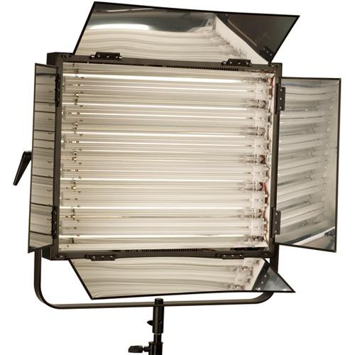 Smith-Victor FLO-330 FLO-330 330W Dimmable Fluorescent 6-Lamp Bank with Barndoors (120V AC)